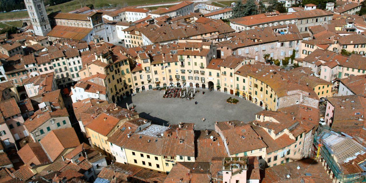 Lucca. Esegesi di una storia secolare senza fine