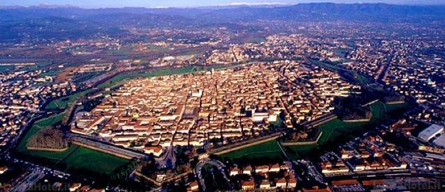 Le mura di Lucca. La piccola perla in un guscio di mattoni